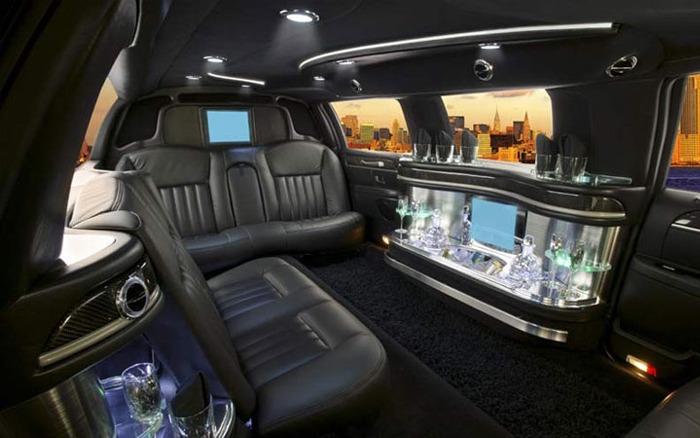 limo_lincoln_interior.jpg