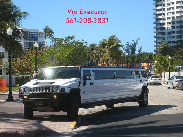 VIP execucar Limousine Service offers the finest in sedan, stretch limousine, super stretch limousine,charter bus, SUV, luxury passenger van and mini-bus service in Boca Raton