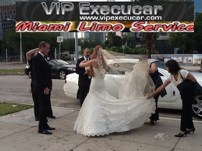 VIP Execucar Party Buses offer: Miami Beach Party Bus, Limo Bus, Limousine Buses, Palm Beach Party Buses < VIp Execucar LIMO PARTY BUS THE LARGEST & THE ONLY ONE IN Wellington Fl